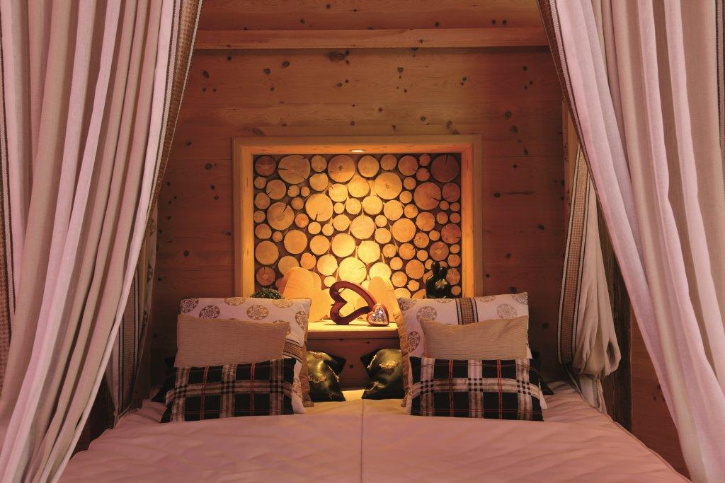 kristall private spa suite relaxen genie en sie zu zweit verw hnhotel kristall. Black Bedroom Furniture Sets. Home Design Ideas