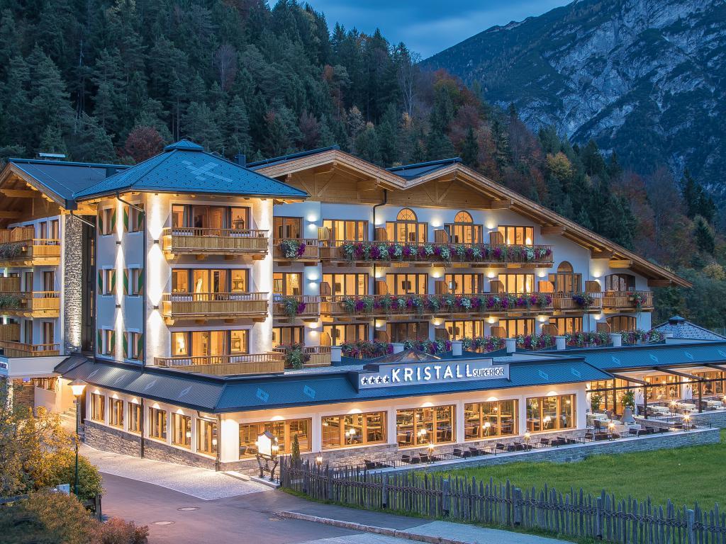 Hotel Achensee Wellnesshotel Tirol Verwöhnhotel Kristall
