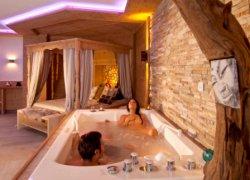 kristall wellness f r paare hotel pertisau kristall. Black Bedroom Furniture Sets. Home Design Ideas